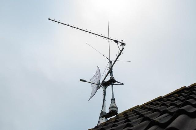 Antennesetup anno 2015, nog bescheiden in verband met het pas plaatsen van de mast