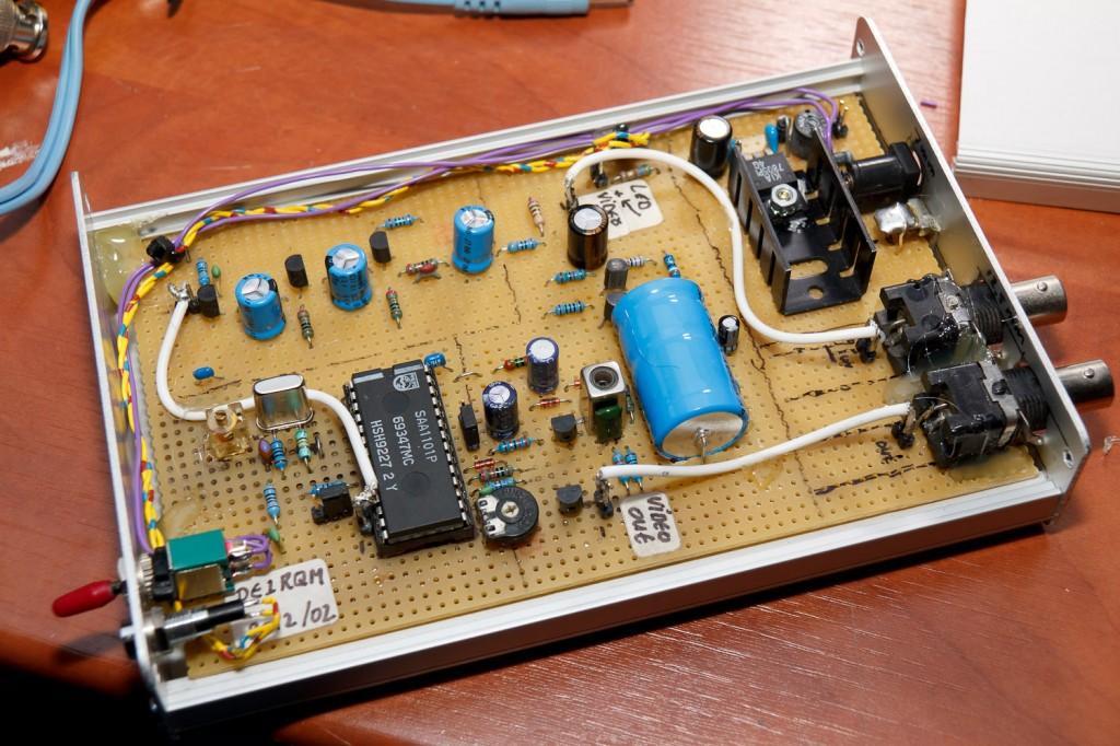 Video sync generator ingebouwd in eurokaart behuizing