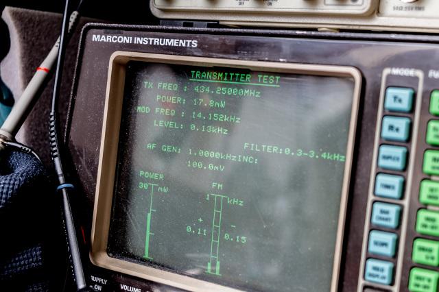 10MHz referentie oscillator stond er ook wat naast, na modje en afregelen was de frequentie weer spot on.