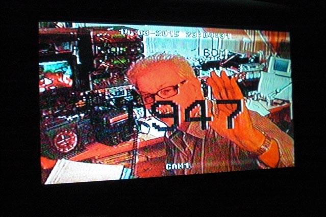 PE1BQE ontvangen op 6cm ATV. De kleuren zijn wat verzadigd door reflectie effecten (vermoedelijk).