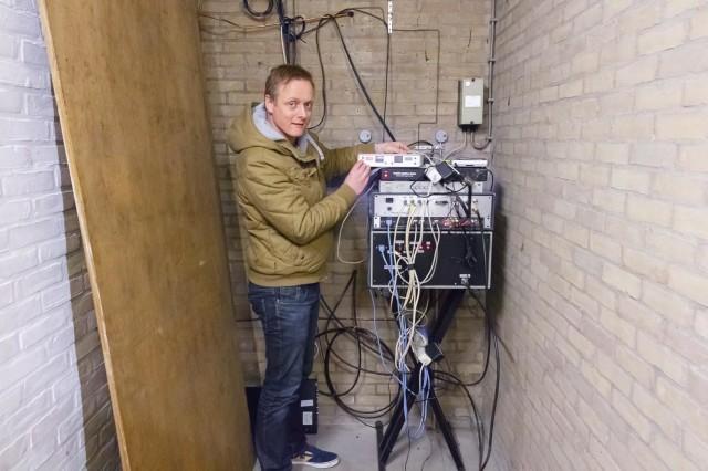 Hier ben ik de vervangende en tijdelijke PIP unit aan het controleren