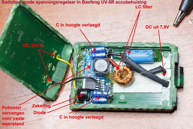 Baofeng-UV-5R-accuhouder-met-spanningsregelaar